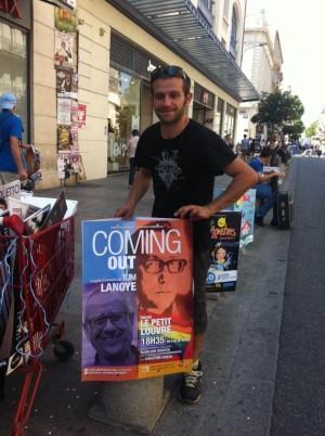 Pose en boarding d'affiches au festival d'Avignon 2015 pour le spectacle Coming Out