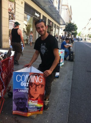 Pose en boarding d'affiches au festival d'Avignon 2015 pour le spectacle Coming Out