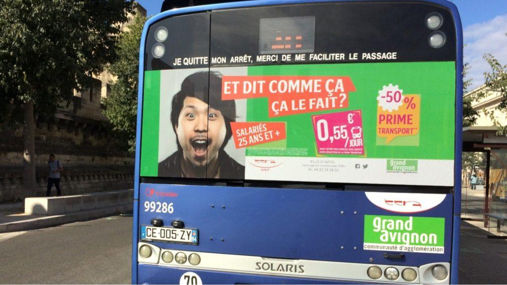 Publicité à l'arrière des bus d'Avignon